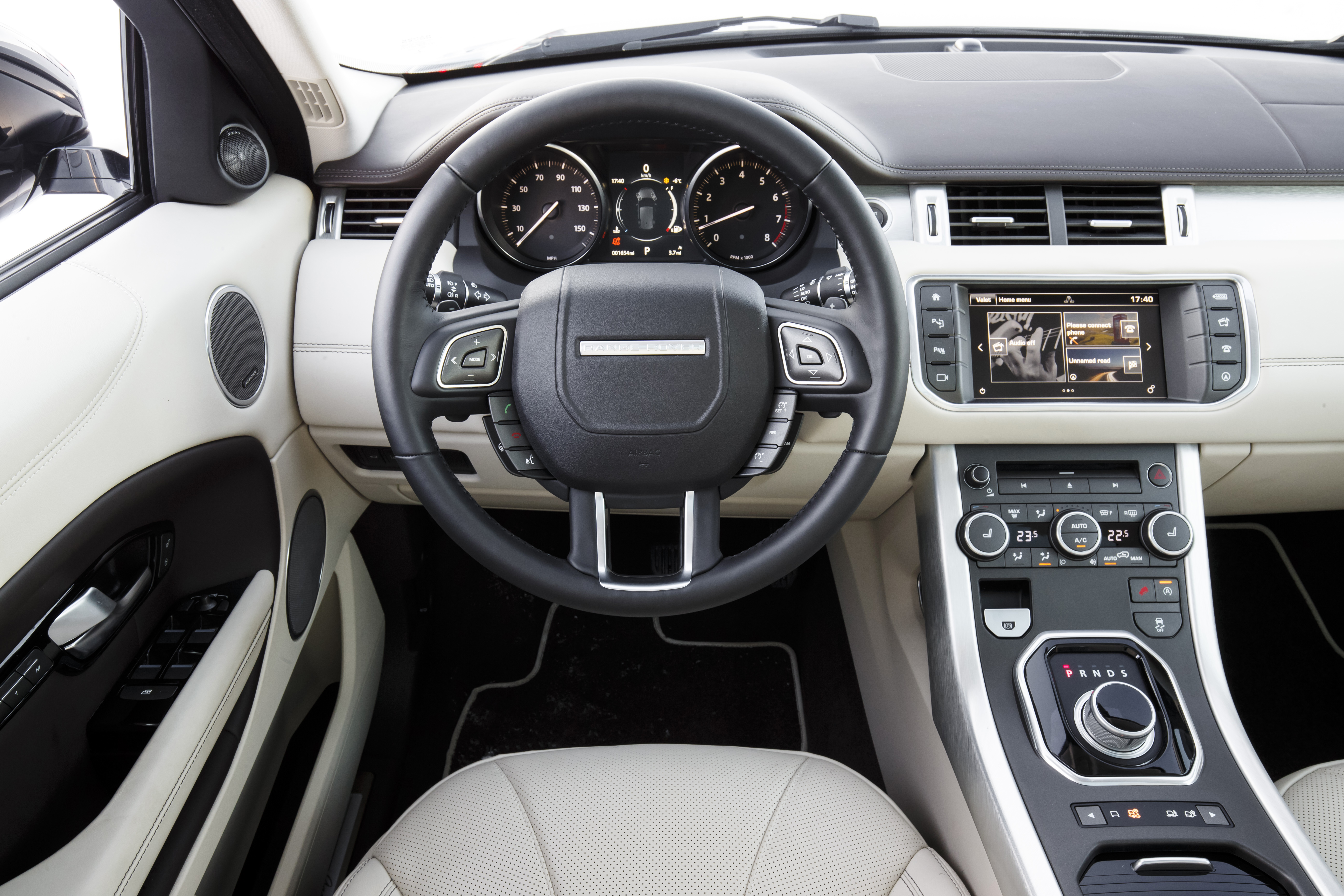 Range rover evoque luxury edition td4 autodeal en bra for Interieur evoque
